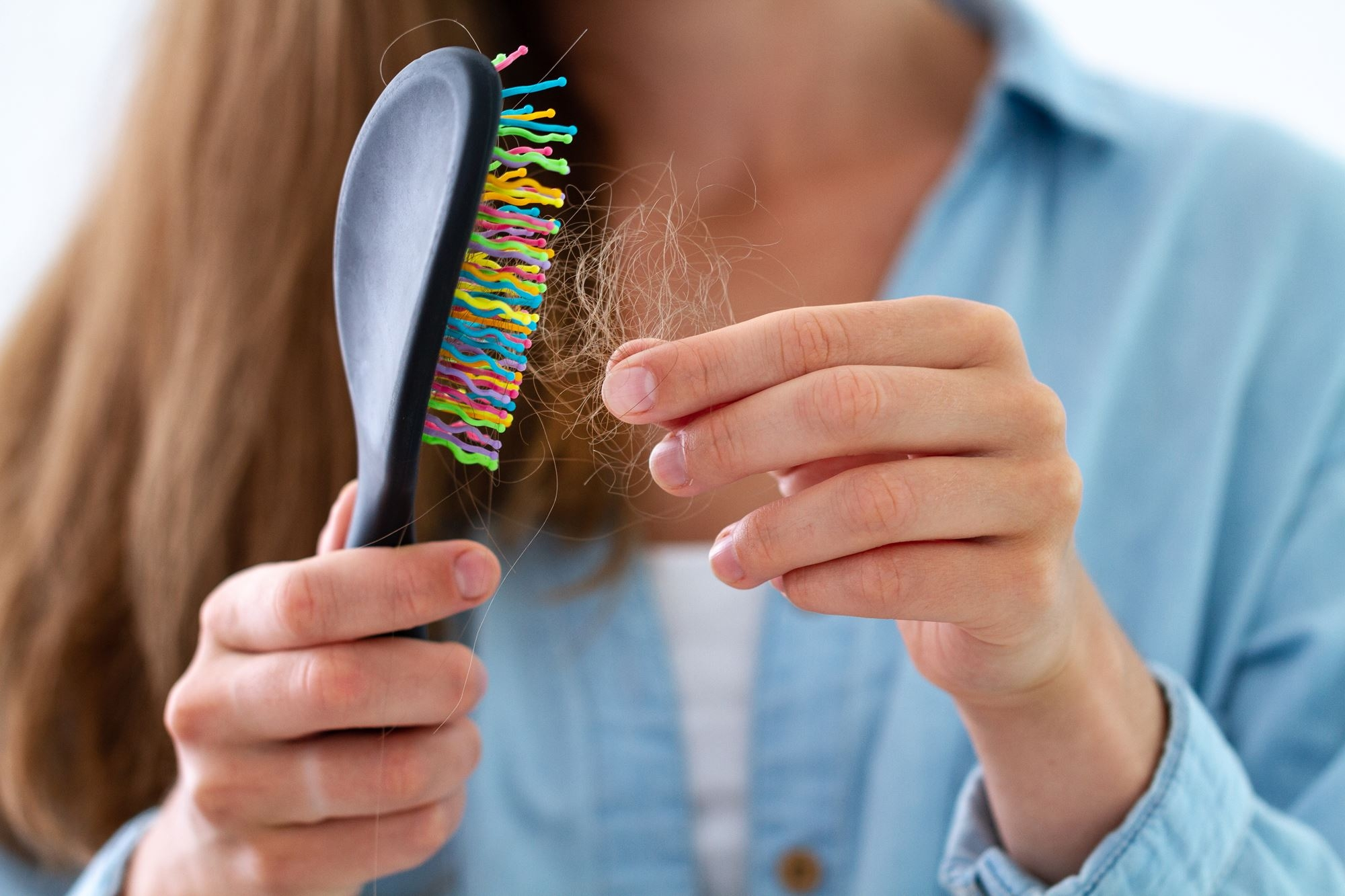 Comment lutter contre la perte de cheveux en automne